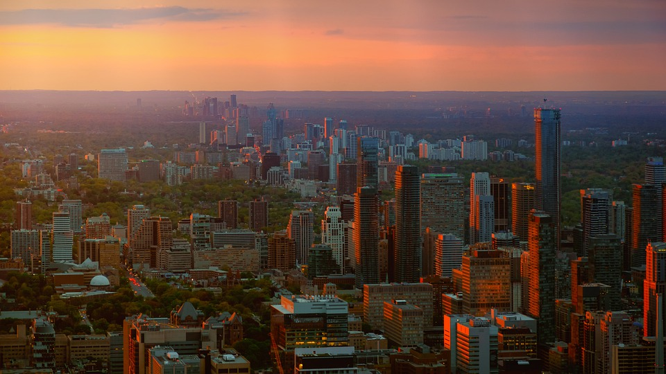 How Is COVID-19 Affecting Toronto's Housing Market?