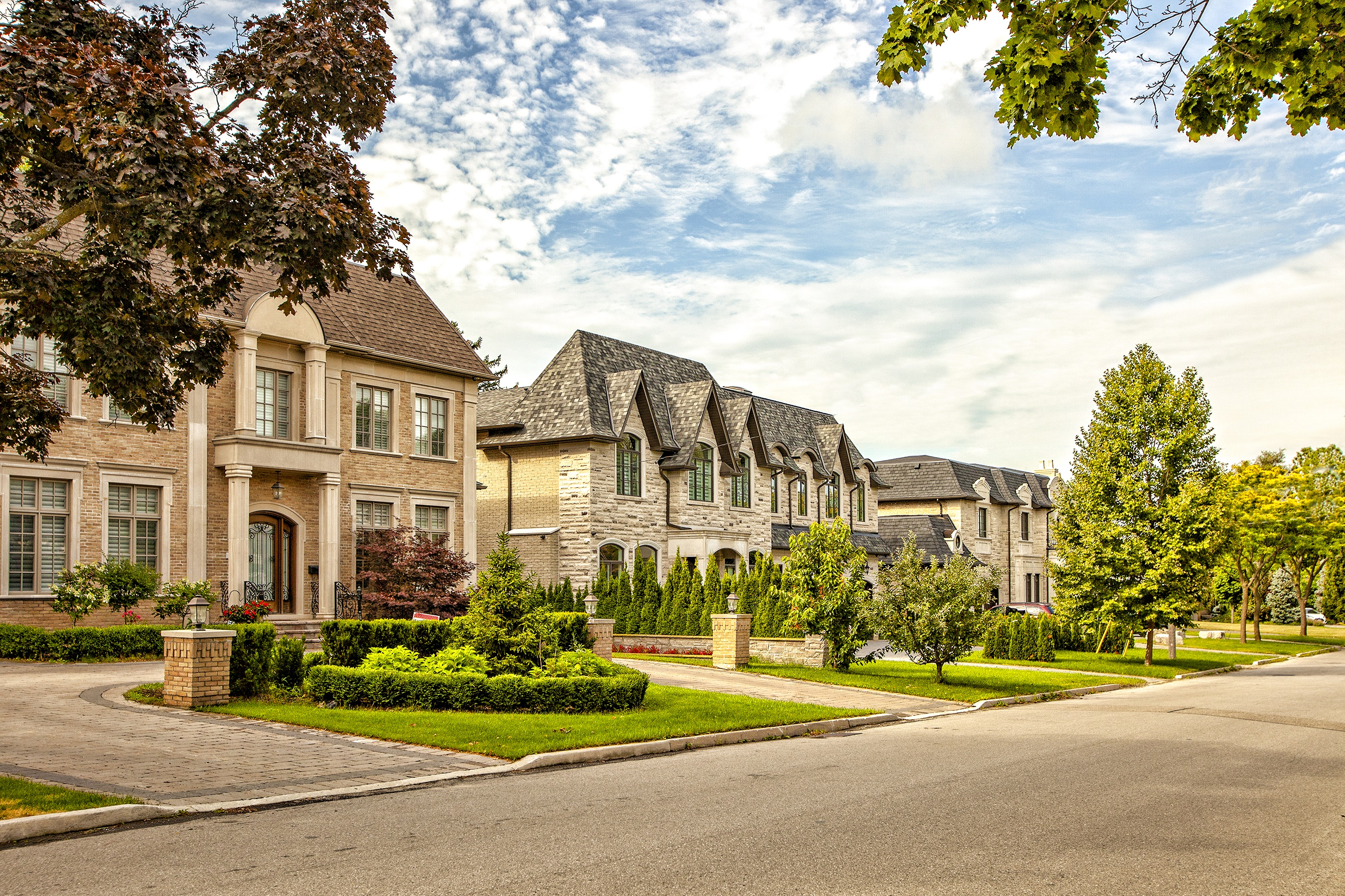 How To Buy A House In An Area Such As Toronto, Richmond Hill, Vaughan Or Markham?